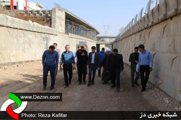 بازدید سرزده نماینده مجلس و جمعی از مدیران ادارات از روند کار پروژه های شهرداری دزفول