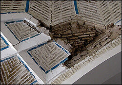 احتمال فروریختن کامل مسجد ملاحاجی وجود دارد